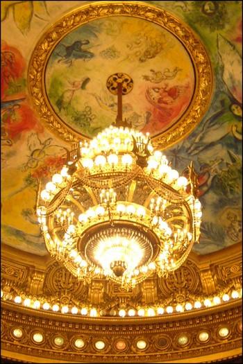 http://krommlech.cowblog.fr/images/Lieux/Paris/lustre.jpg